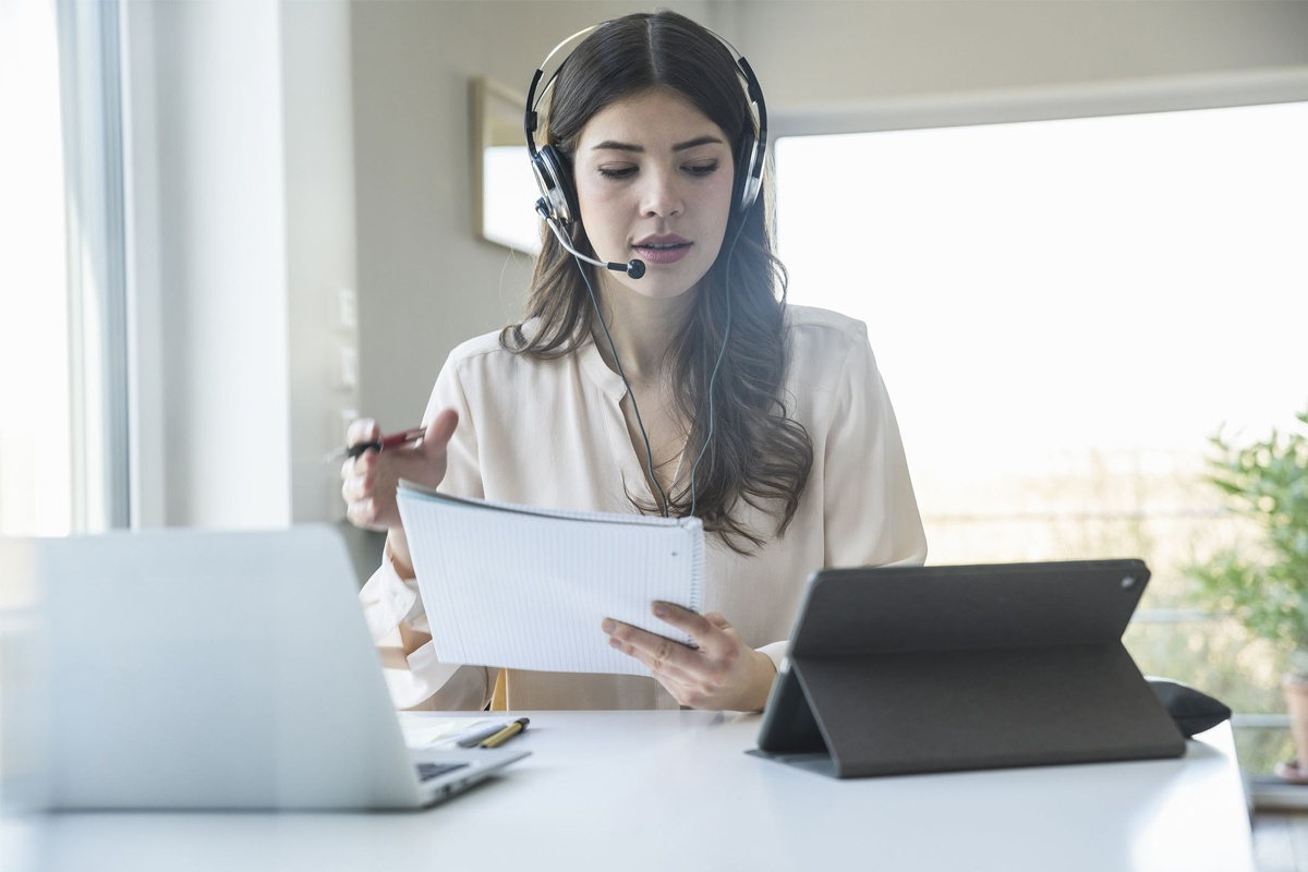 What is a Virtual Assistant? How VA can Support Your Business?
