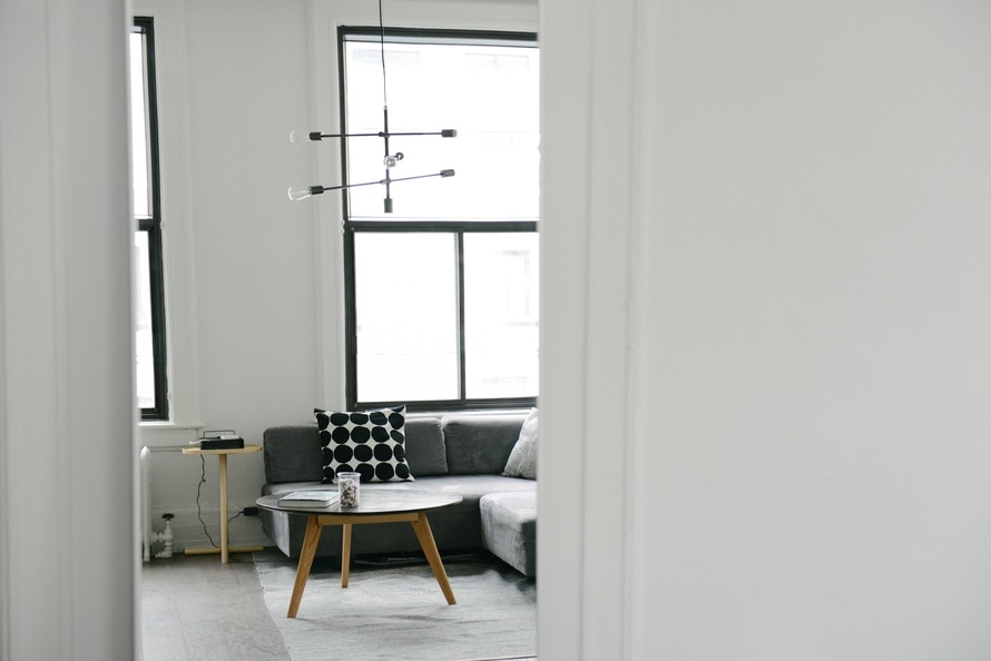 Could De-Cluttering Work For You? The Benefits of Creating A Tidy Space