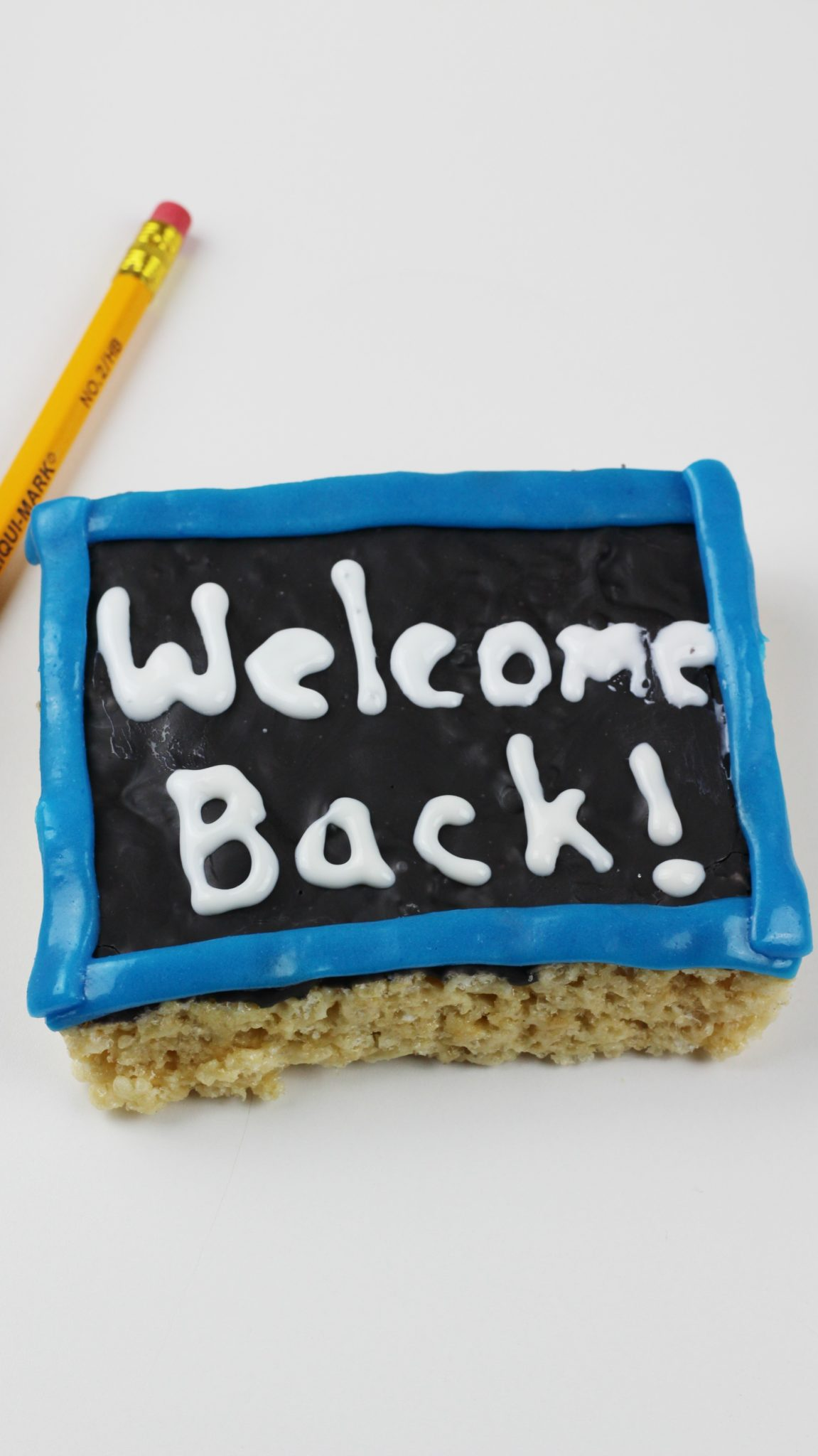 First Day of School Snack – Chalkboard Rice Krispies