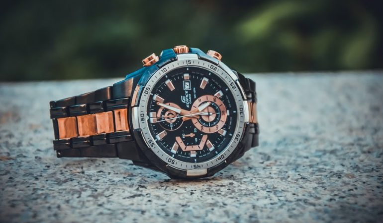 Smart Watches for Outdoor Adventure