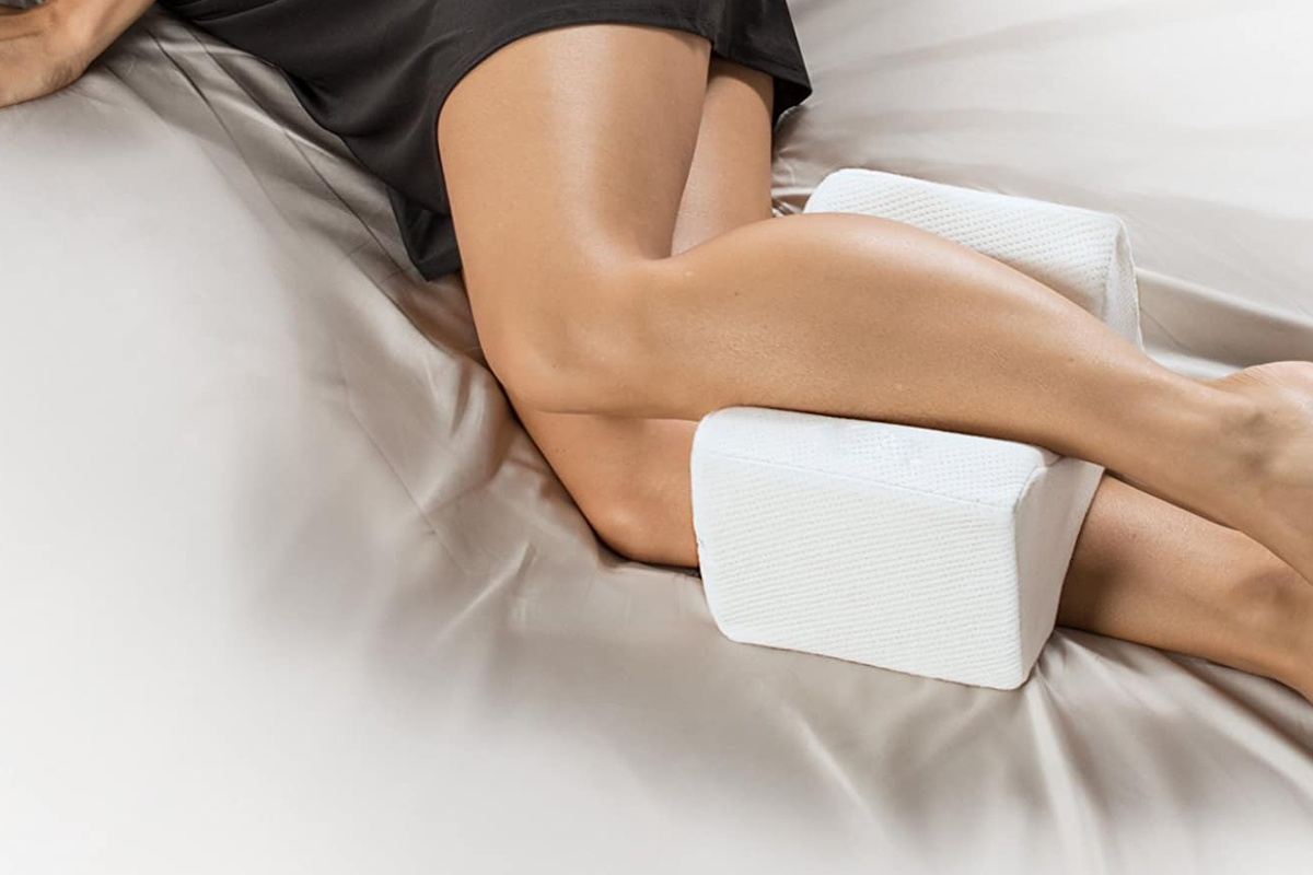 Knee Pillow for Zapping Pain and Discomfort